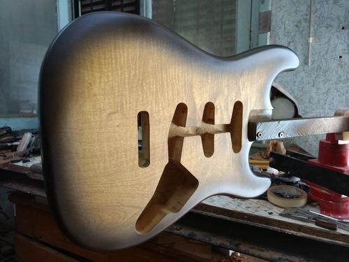 Image of Primavera Strat 2 tone